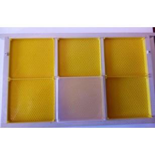 Rámik B na plastečkový med